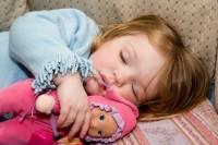 Как уложить ребенка спать без слез?